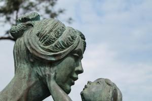 פיוס עם אמא